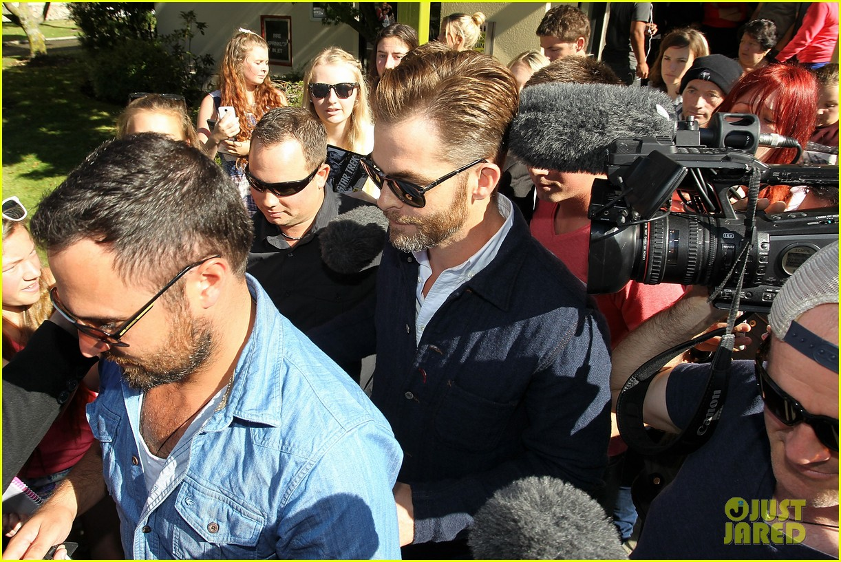 chris pine appears in court for dui arrest in new zealand 053073017