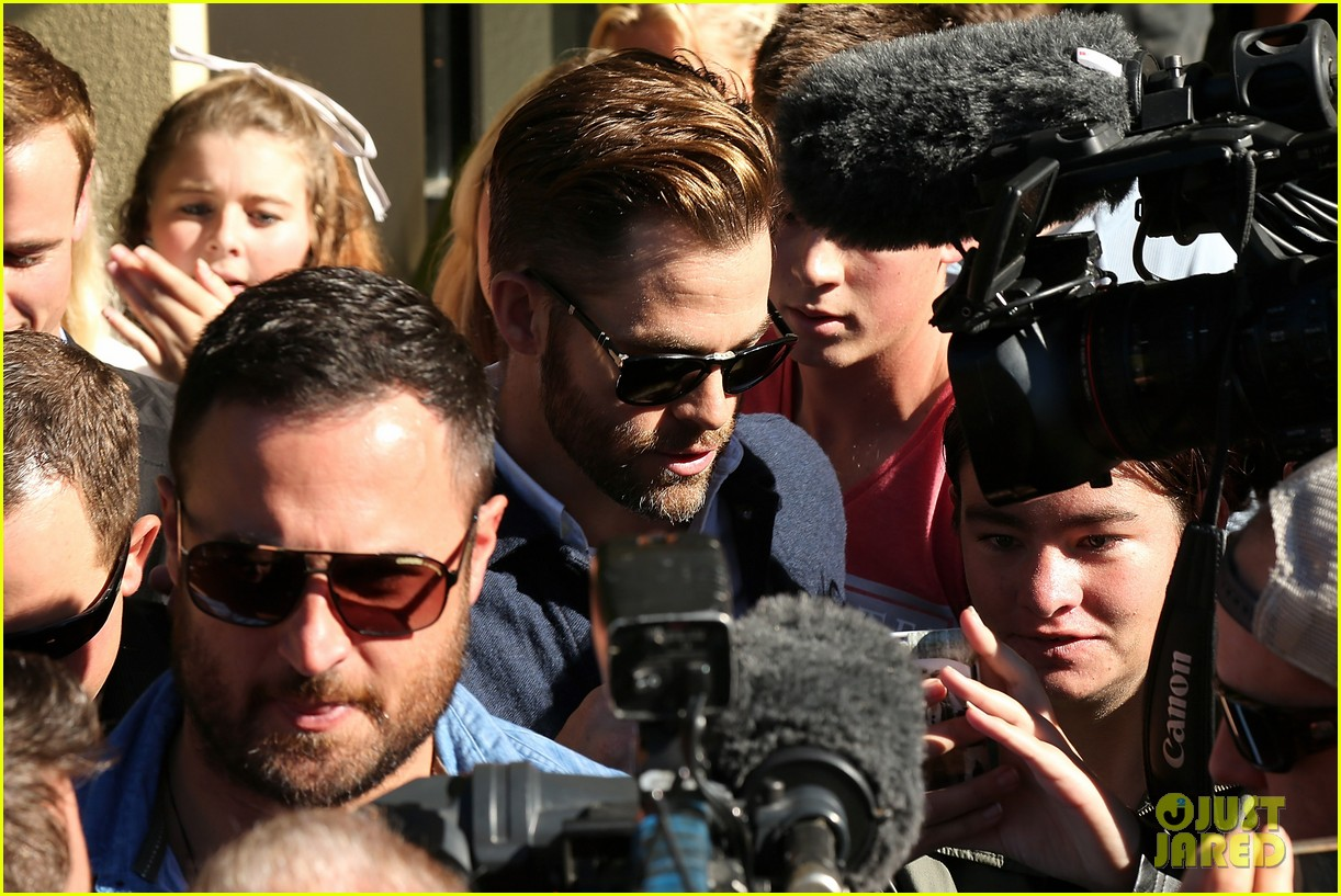 chris pine appears in court for dui arrest in new zealand 143073026