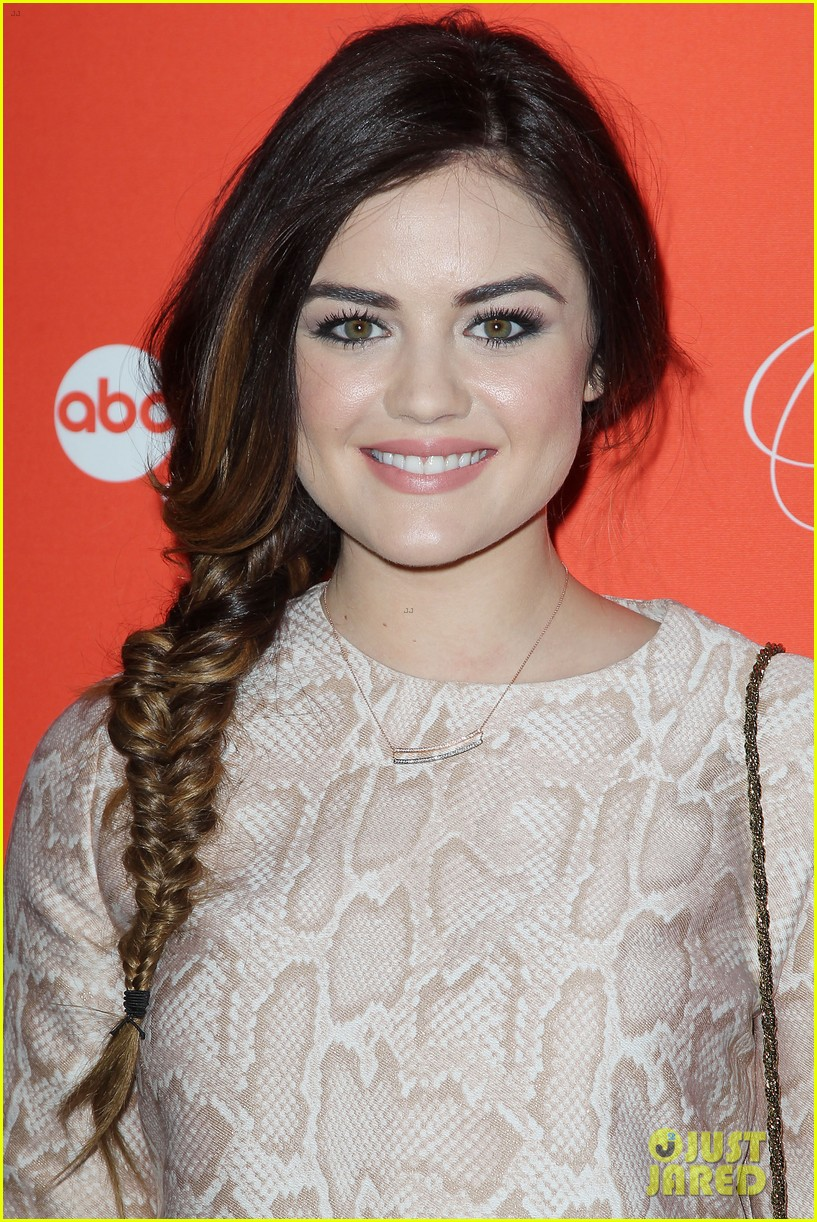 pretty little liars cast presents finale episode at nyc live read 083074585