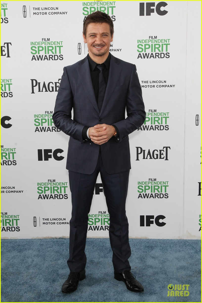 jeremy renner elizabeth rohm exudes american hustle aura at independent spirit awards 2014 053062934