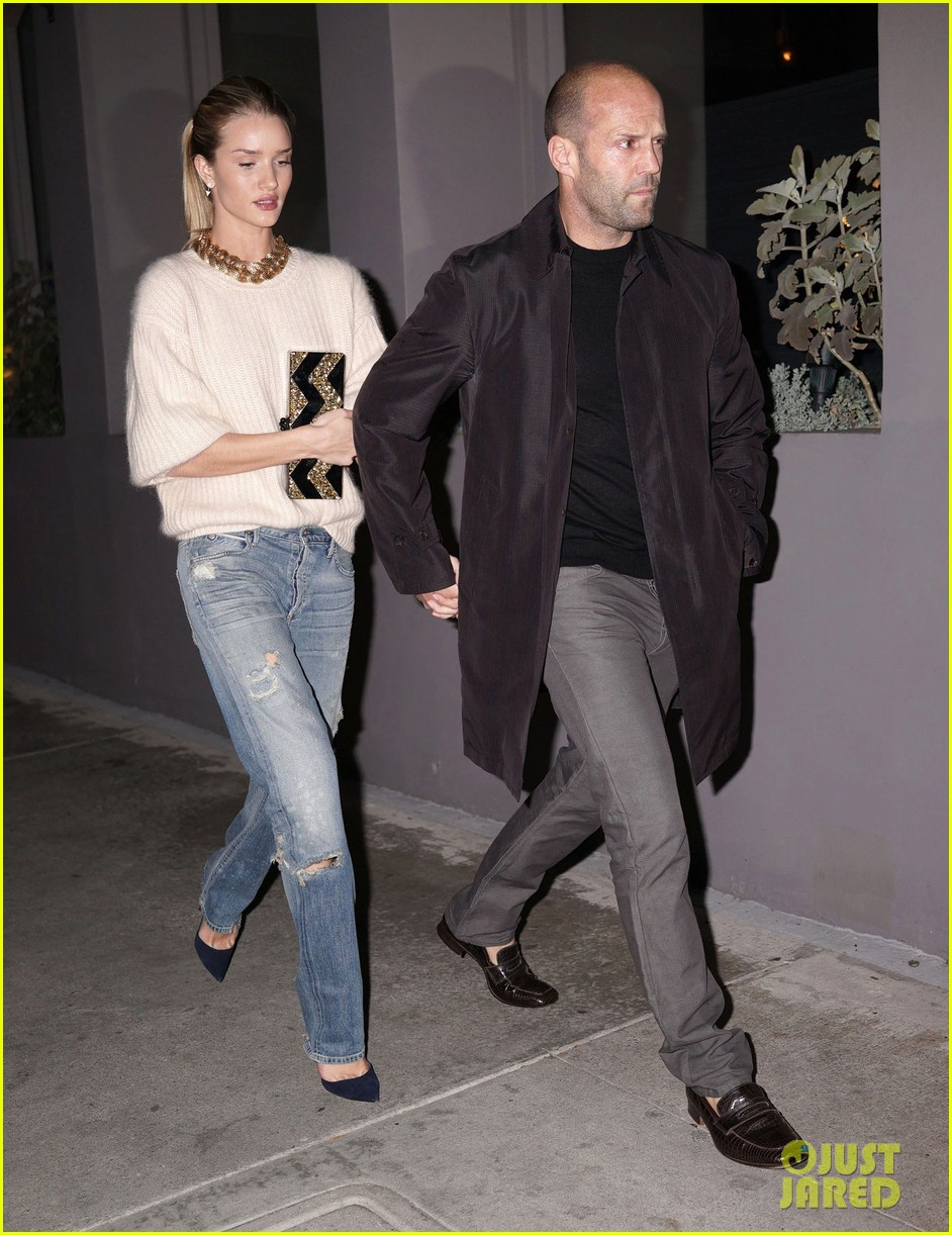 rosie huntington whiteley jason statham hold hands en route to dinner 02