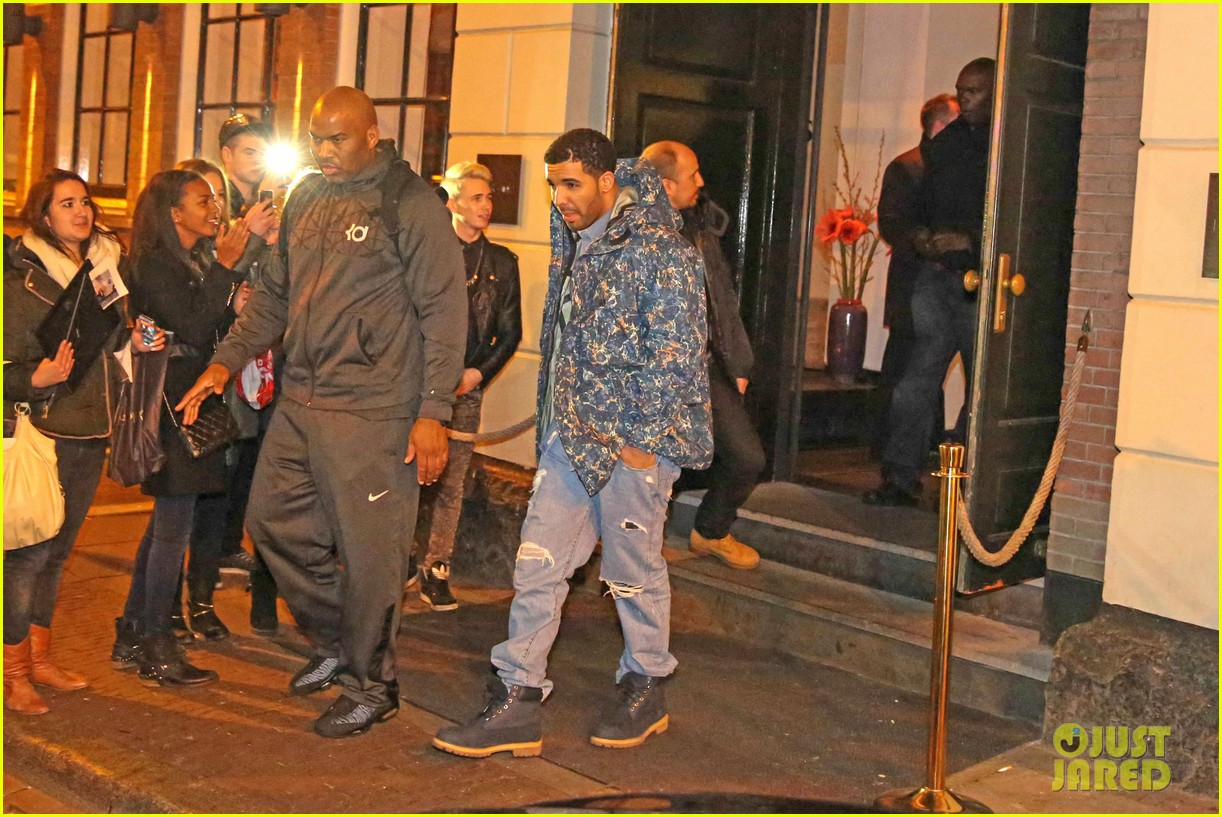 rihanna drake spotted on dinner date in amsterdam 09