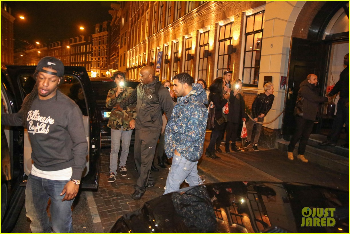 rihanna drake spotted on dinner date in amsterdam 15