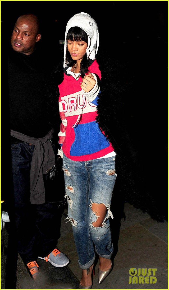rihanna drake go out on another dinner date in europe 013068979