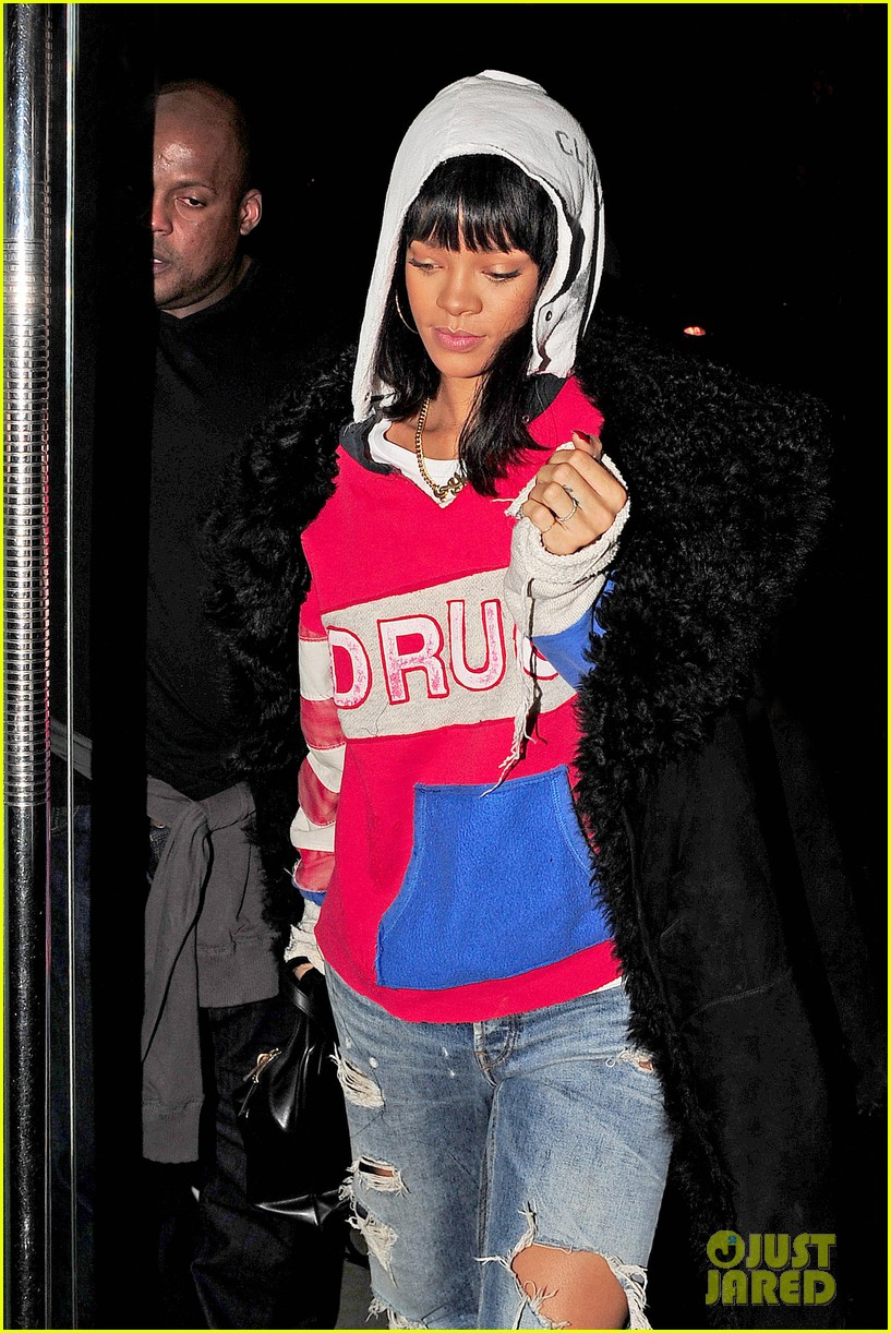 rihanna drake go out on another dinner date in europe 04