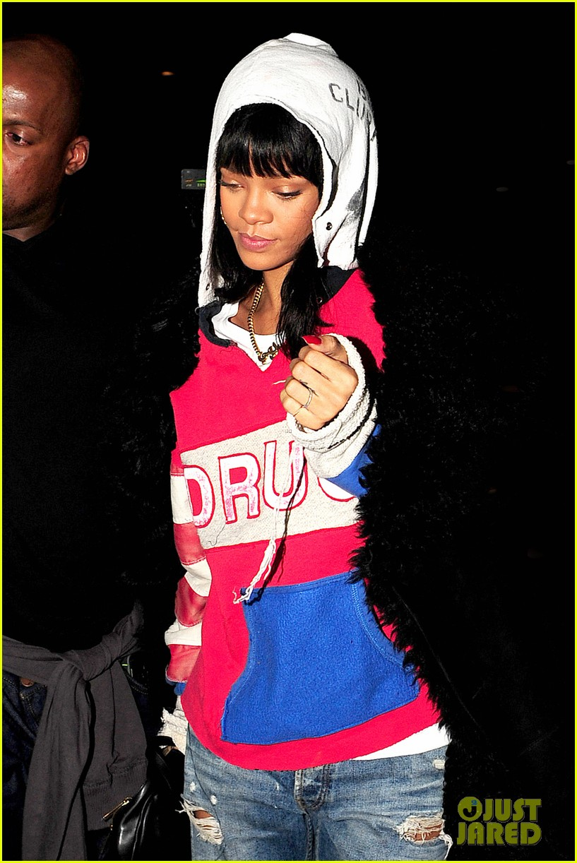 rihanna drake go out on another dinner date in europe 07
