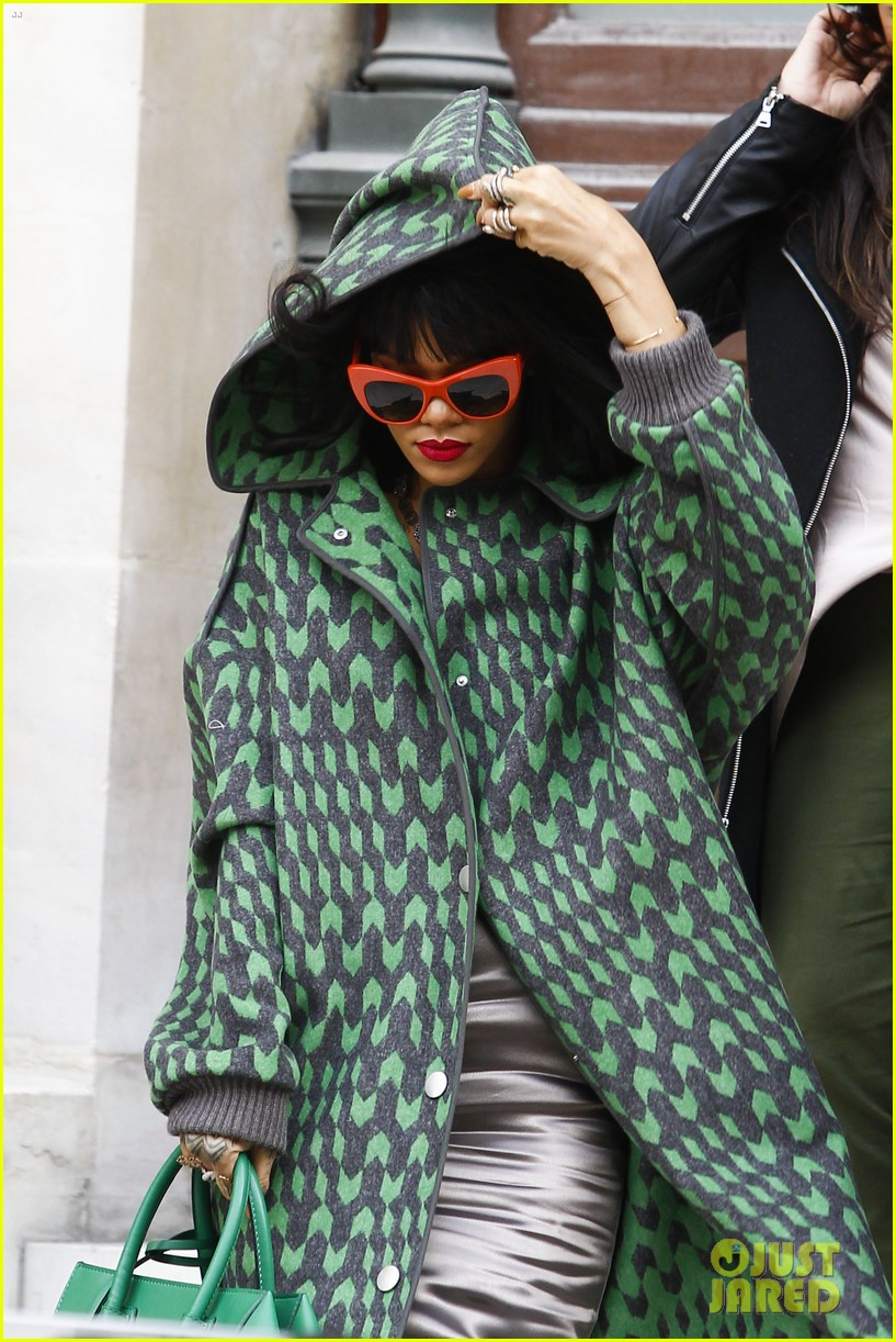 rihanna continues fashion week fun in paris 15