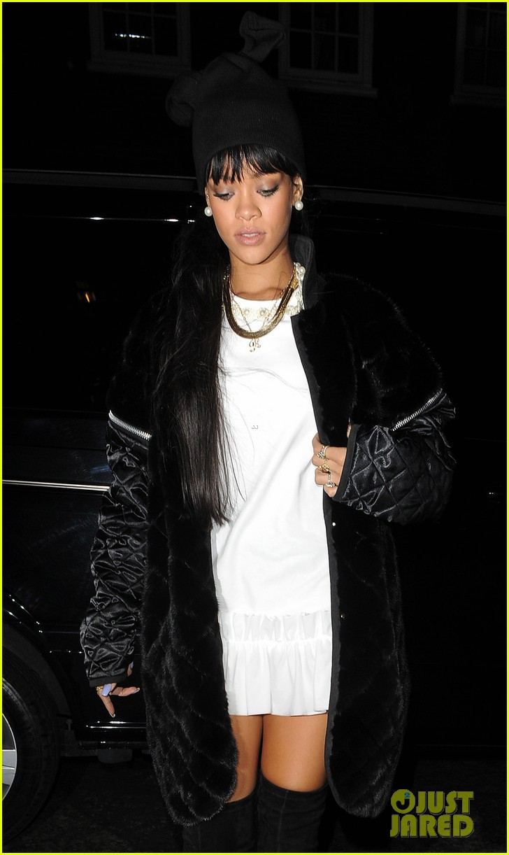 rihanna drake separate entrances dinner london 07