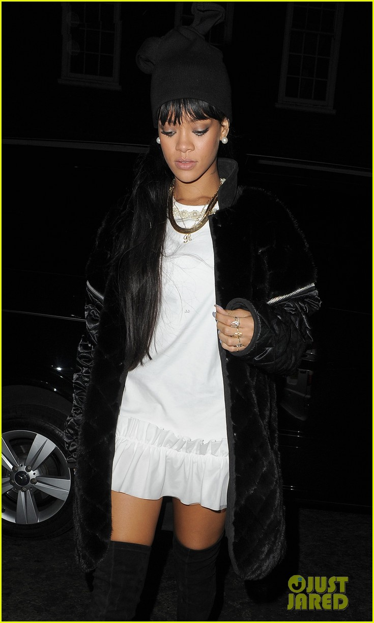 rihanna drake separate entrances dinner london 09