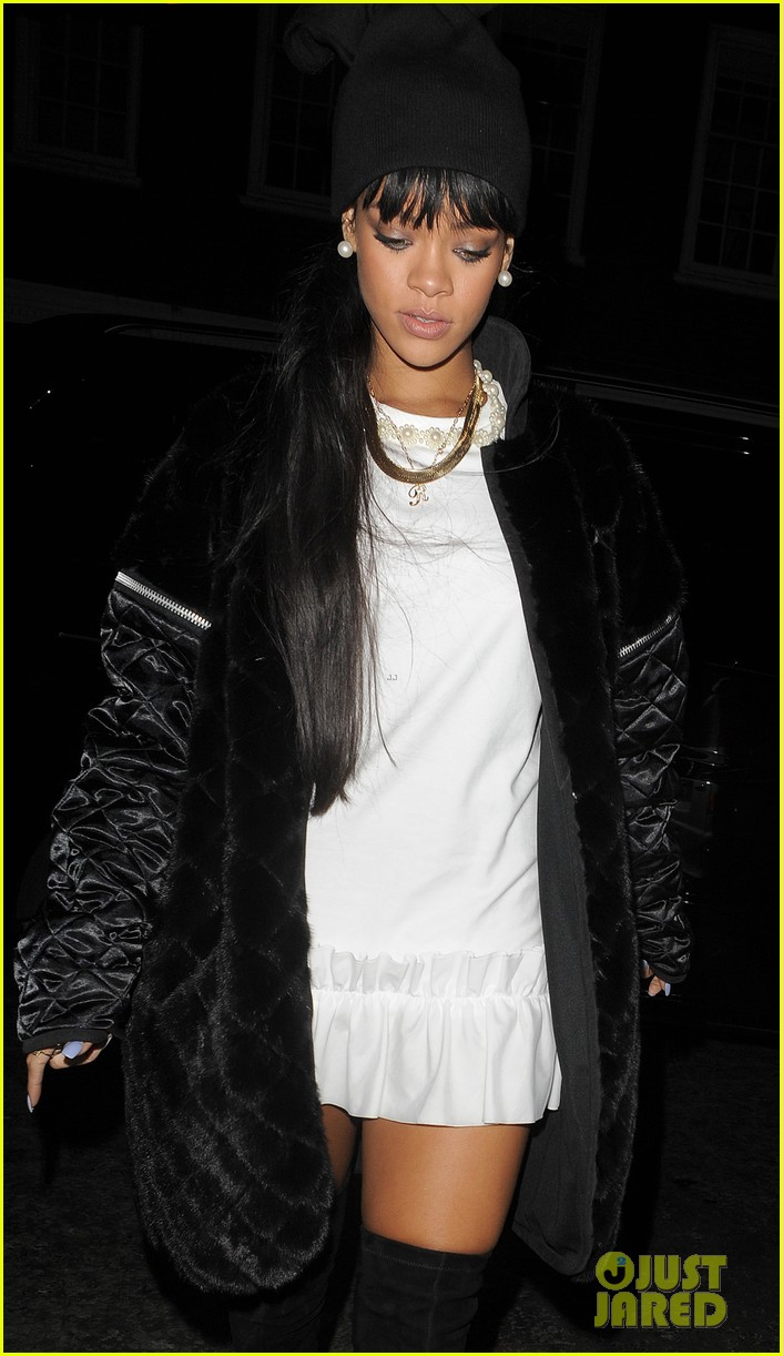 rihanna drake separate entrances dinner london 14