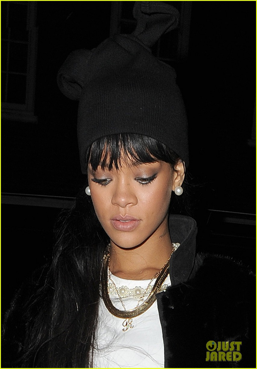 rihanna drake separate entrances dinner london 17