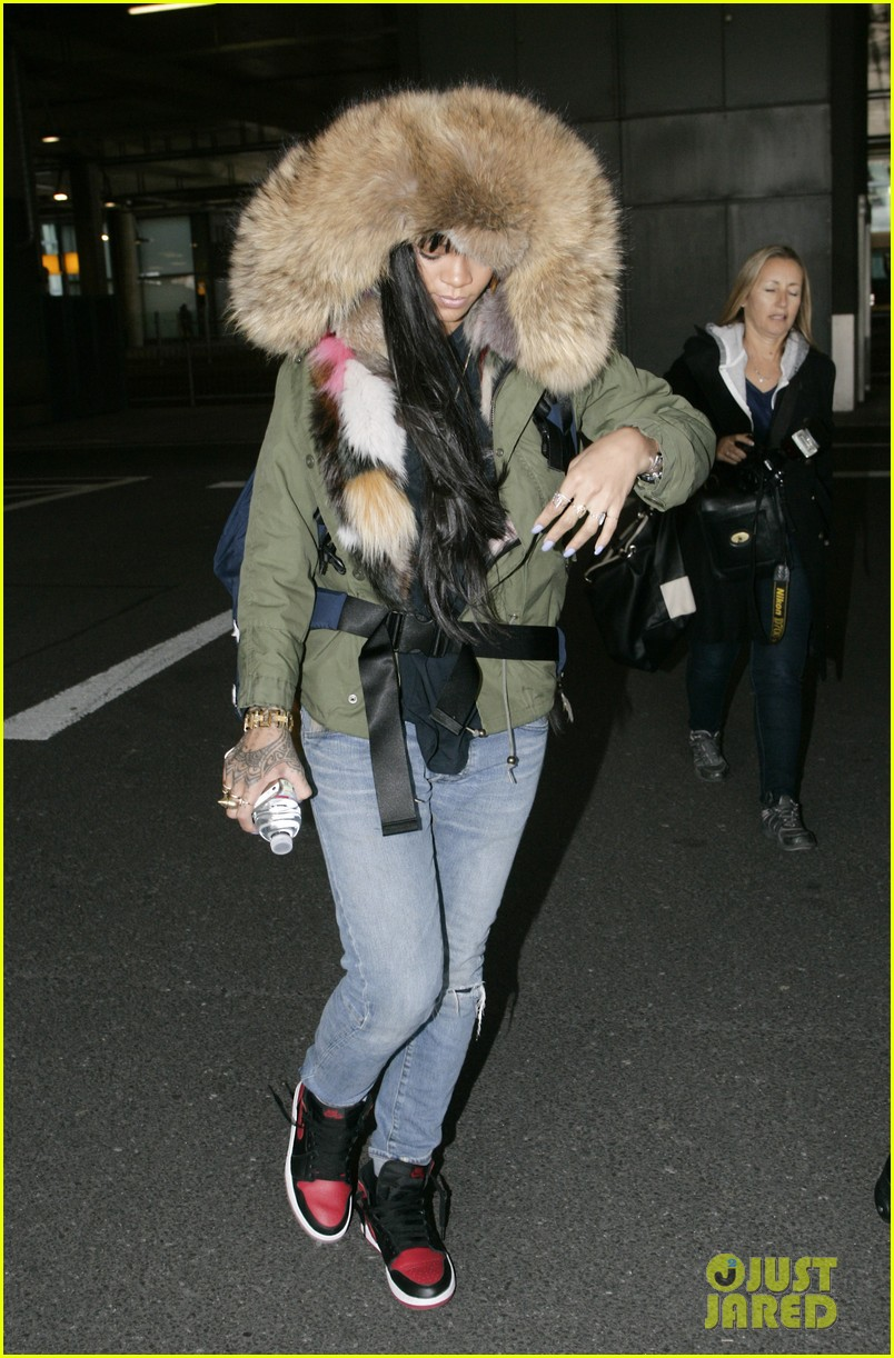 rihanna flies to london after using teen mom 05
