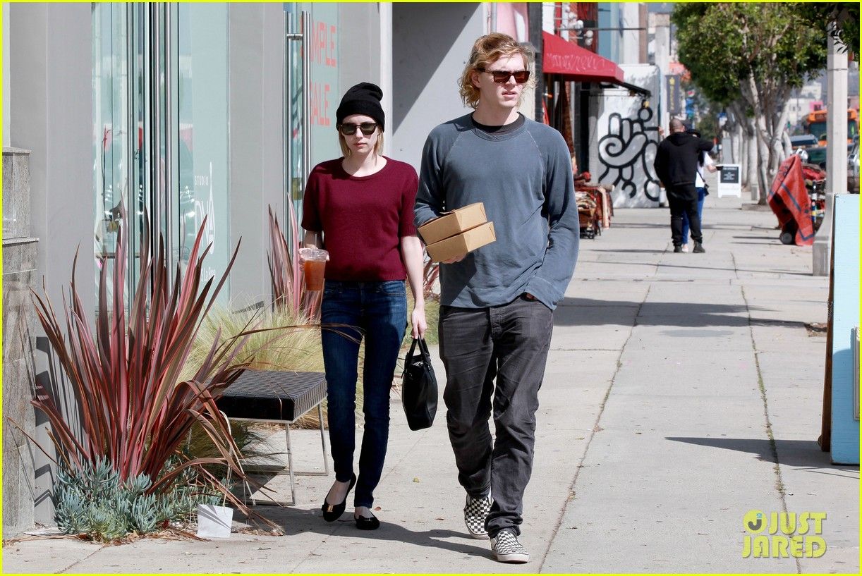 emma roberts engagement ring is the perfect accessory for outing with evan peters 08