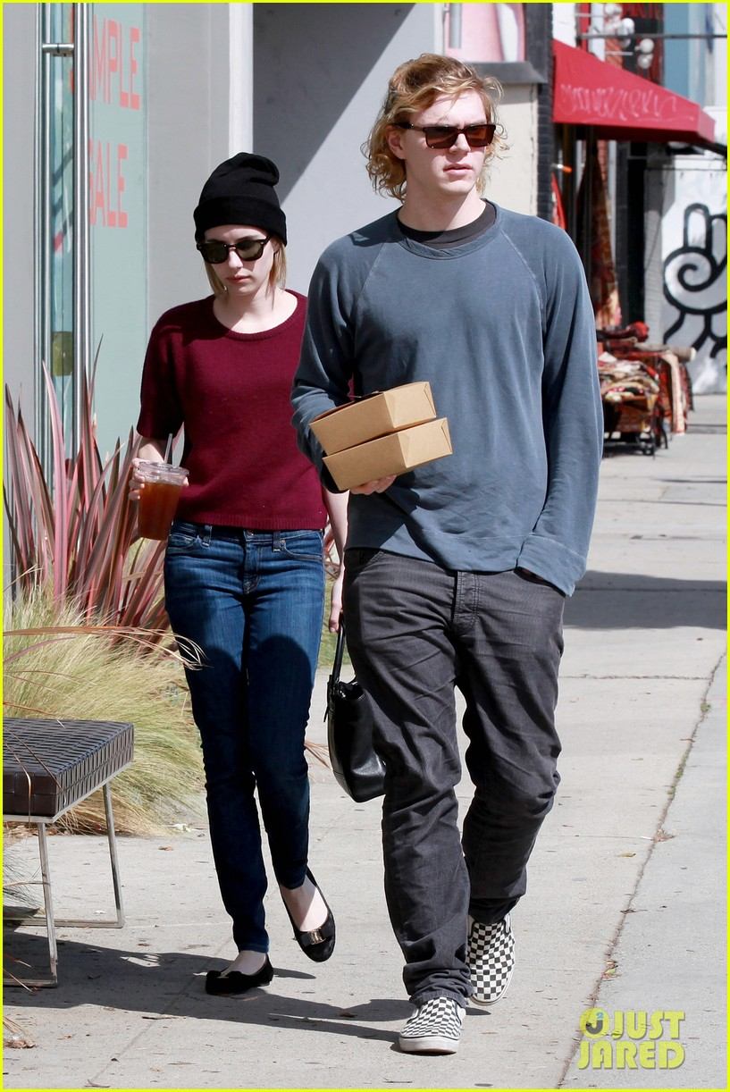 emma roberts engagement ring is the perfect accessory for outing with evan peters 103075981