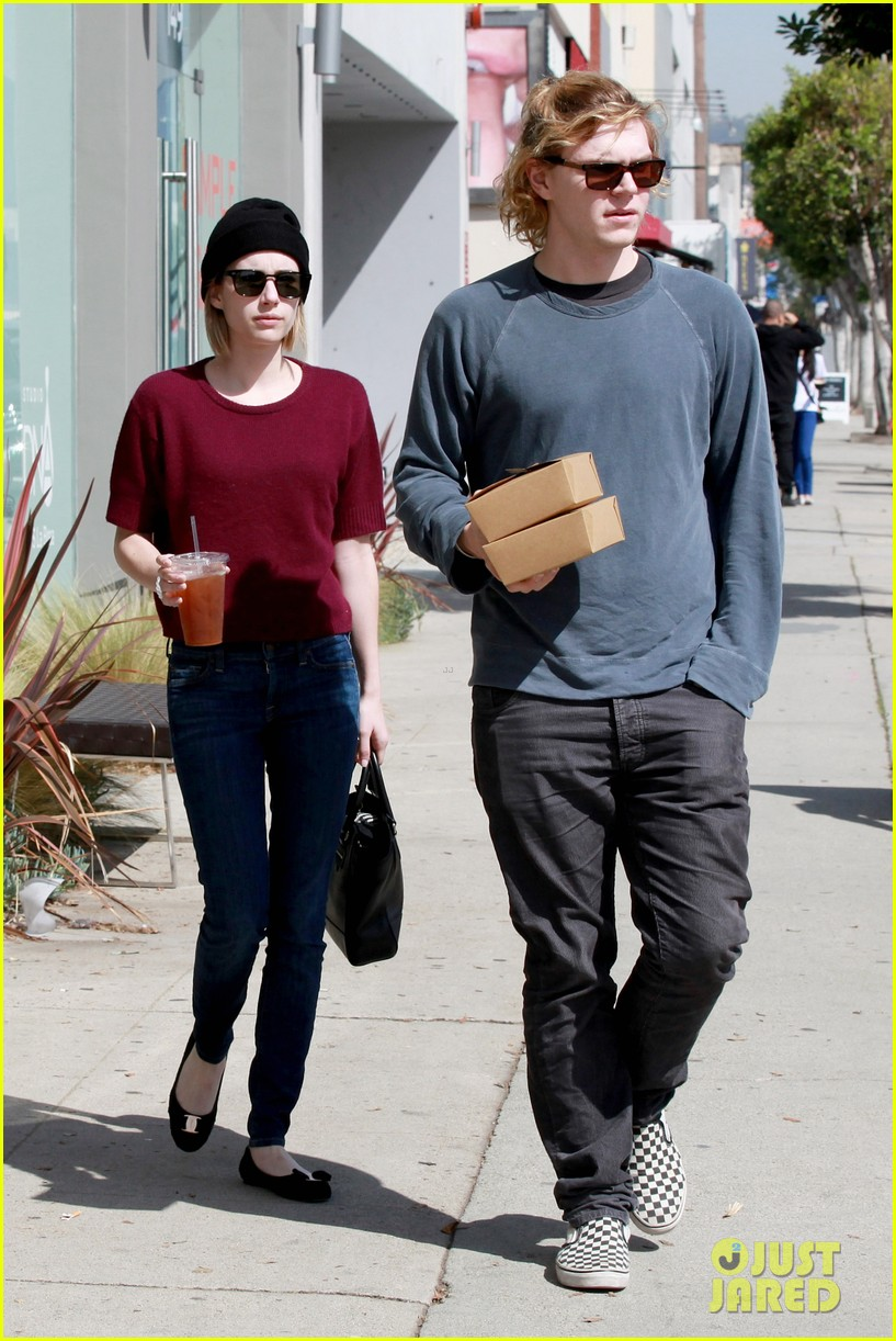 emma roberts engagement ring is the perfect accessory for outing with evan peters 163075987