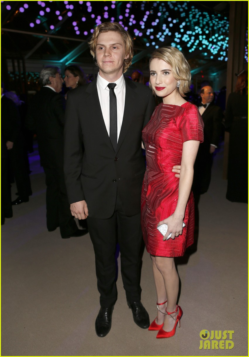 emma roberts evan peters vanity fair oscars party 2014 05