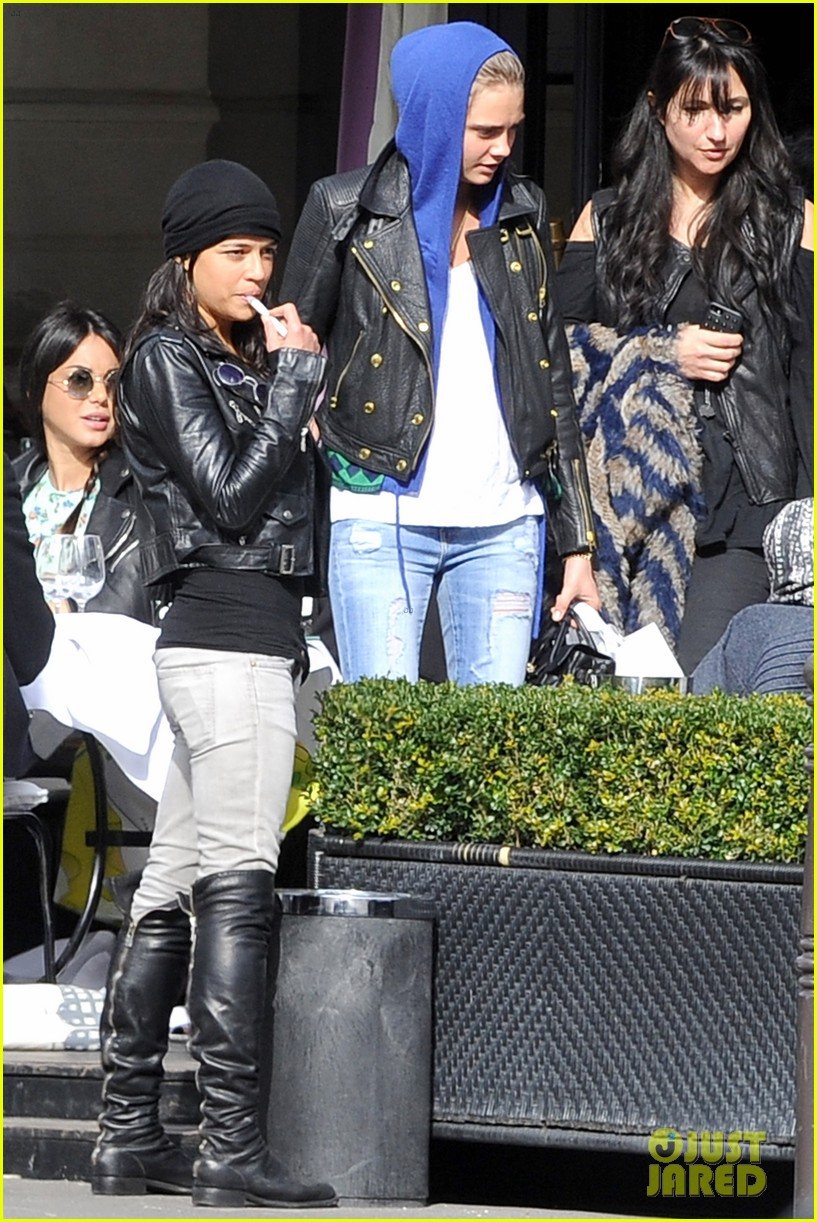michelle rodriguez joins cara delevingne for paris fashion week fun 01