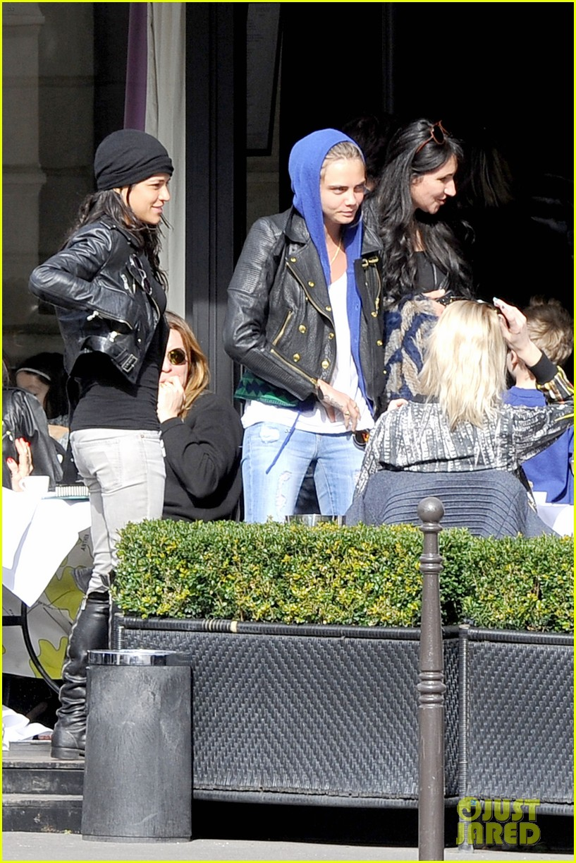 michelle rodriguez joins cara delevingne for paris fashion week fun 033065725