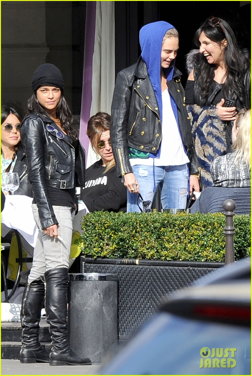 michelle rodriguez joins cara delevingne for paris fashion week fun 07