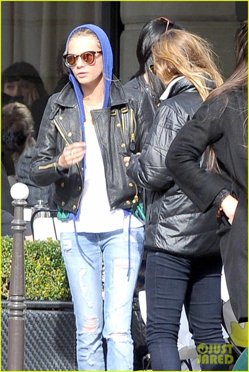 michelle rodriguez joins cara delevingne for paris fashion week fun 12