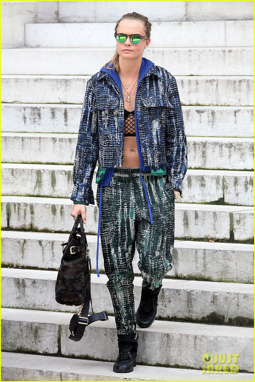 michelle rodriguez joins cara delevingne for paris fashion week fun 27