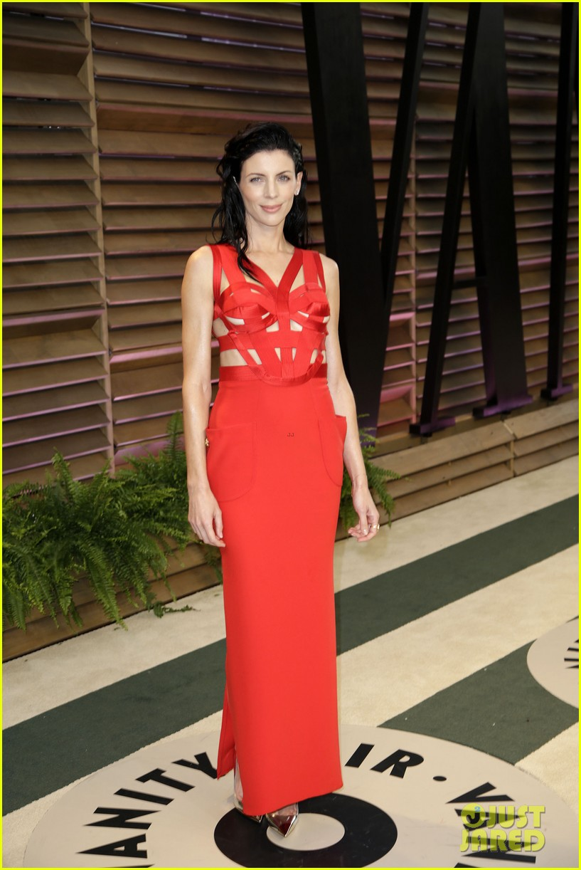 liberty ross vanity fair oscars party with boyfriend jimmy iovine 03