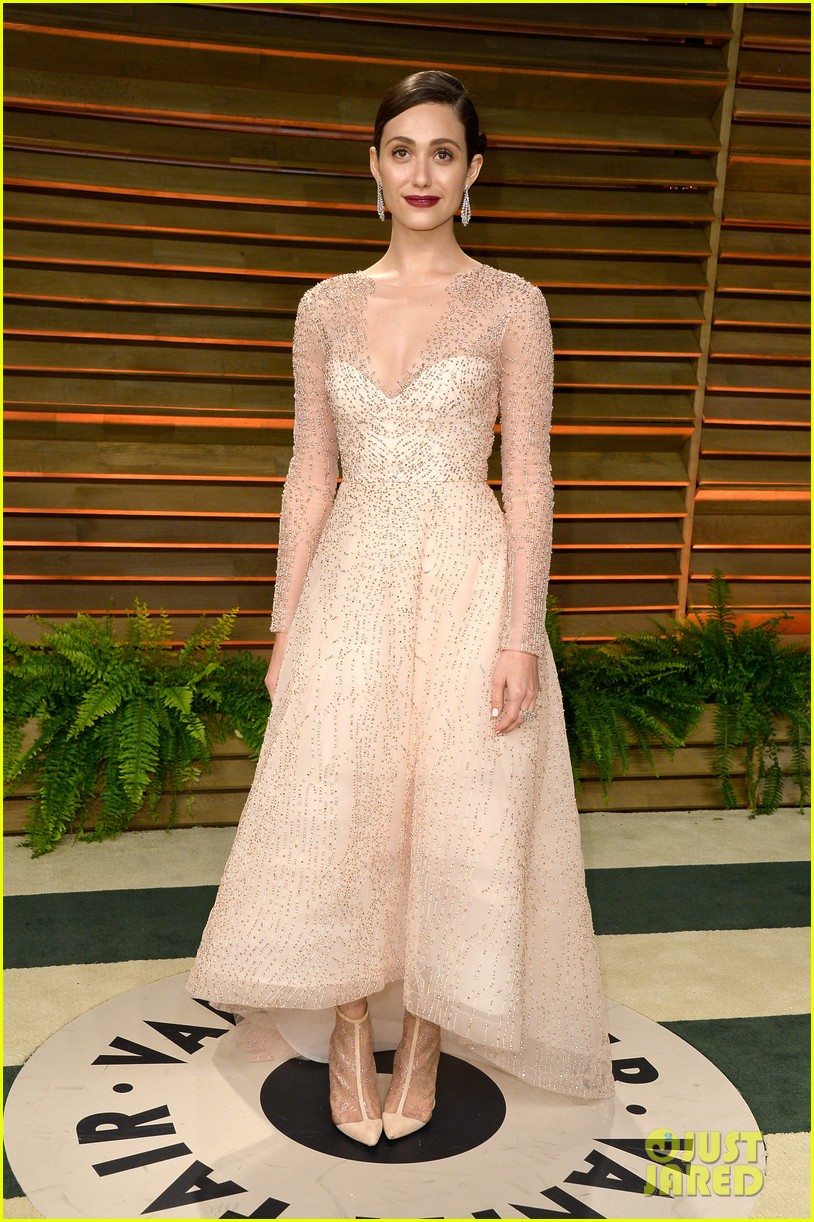 emmy rossum vanity fair oscars party 2014 033064619