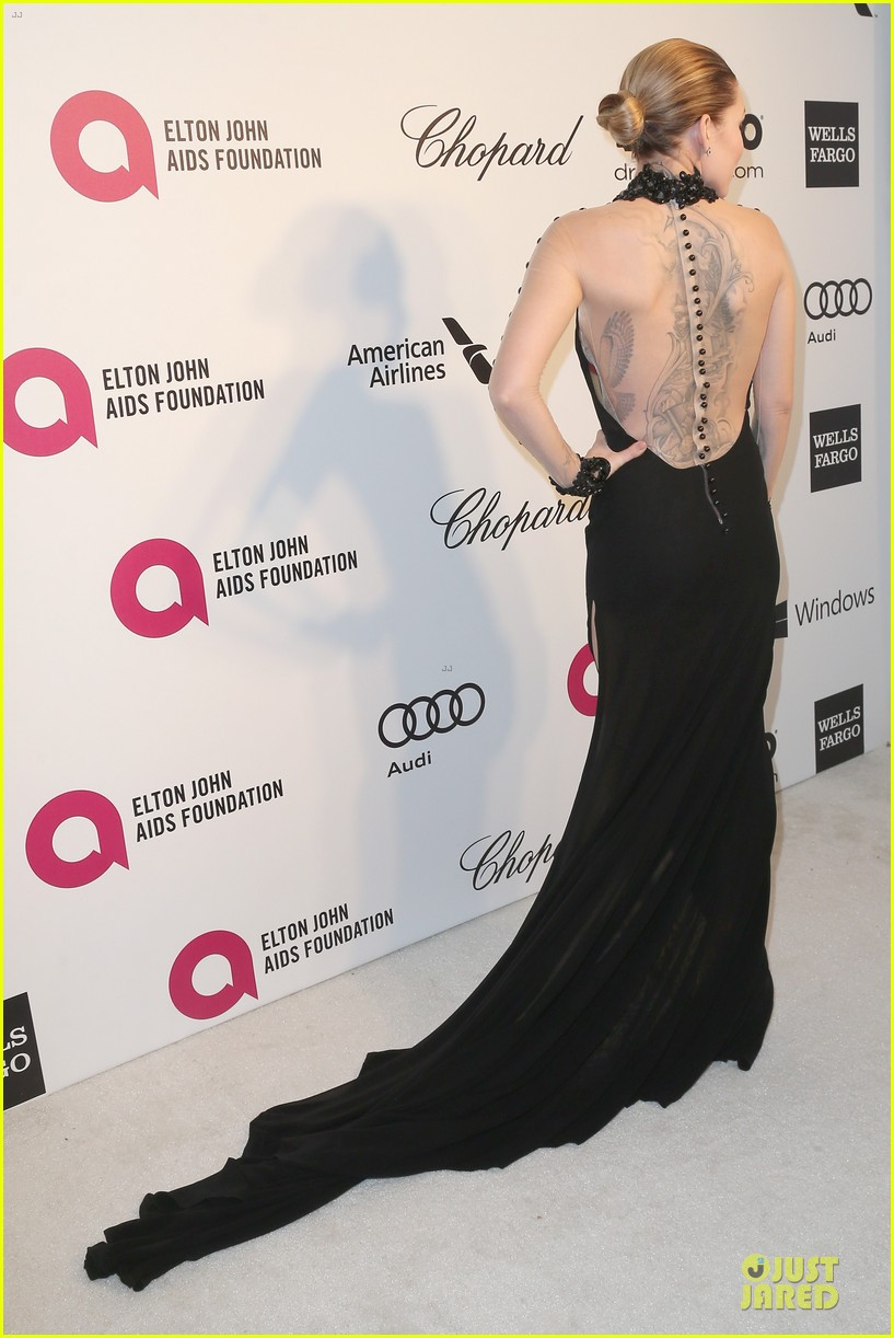 kelly rowland skylar grey heat up elton john oscars party with revealing dresses 063065013