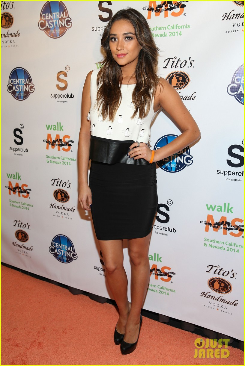 shay mitchell brings her beauty to ms walk kick off 013078291