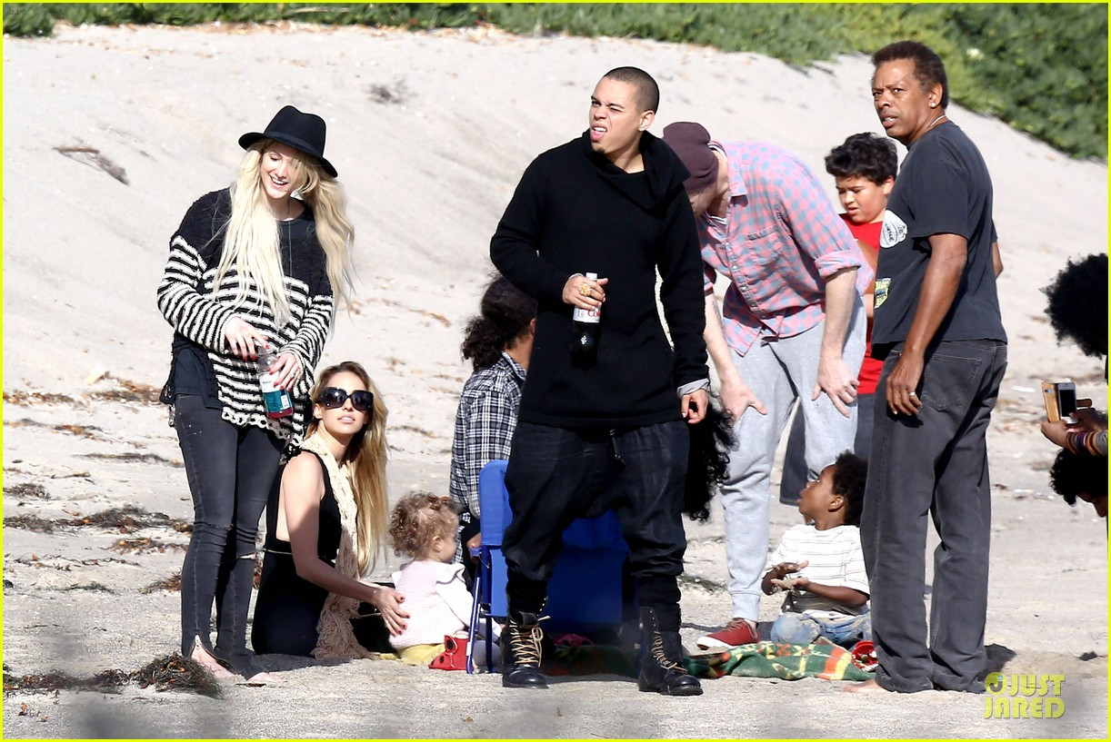 ashlee simpson evan ross beach with diana ross 10