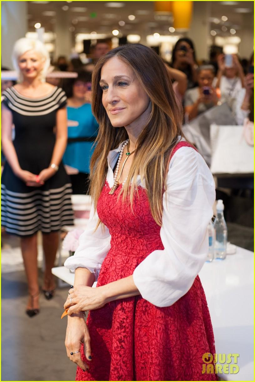 sarah jessica parker promotes her shoe line in florida 133068722