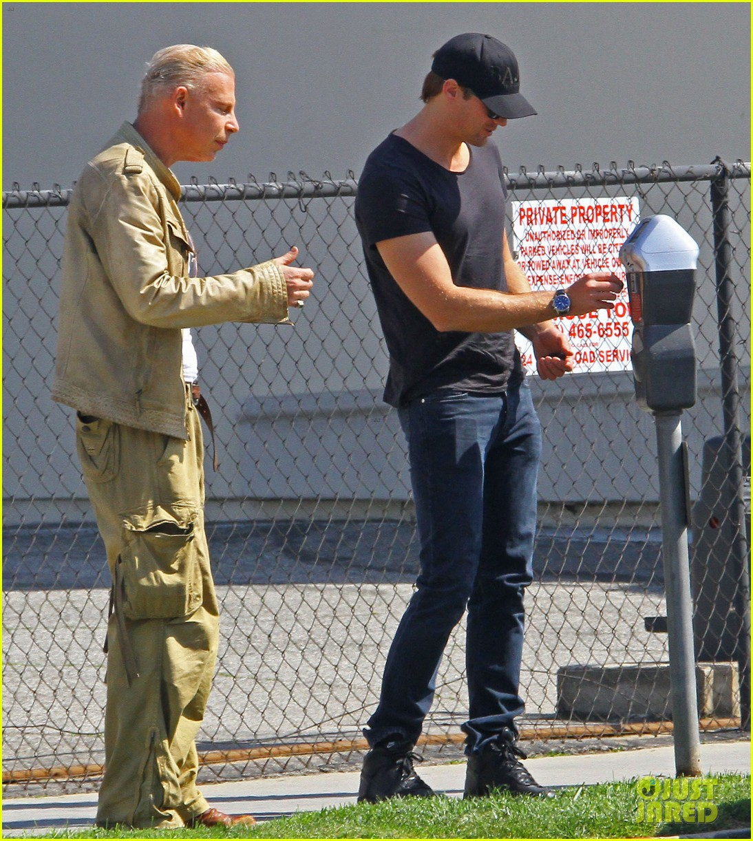 alexander skarsgard tries to feed prince harry video 063080119