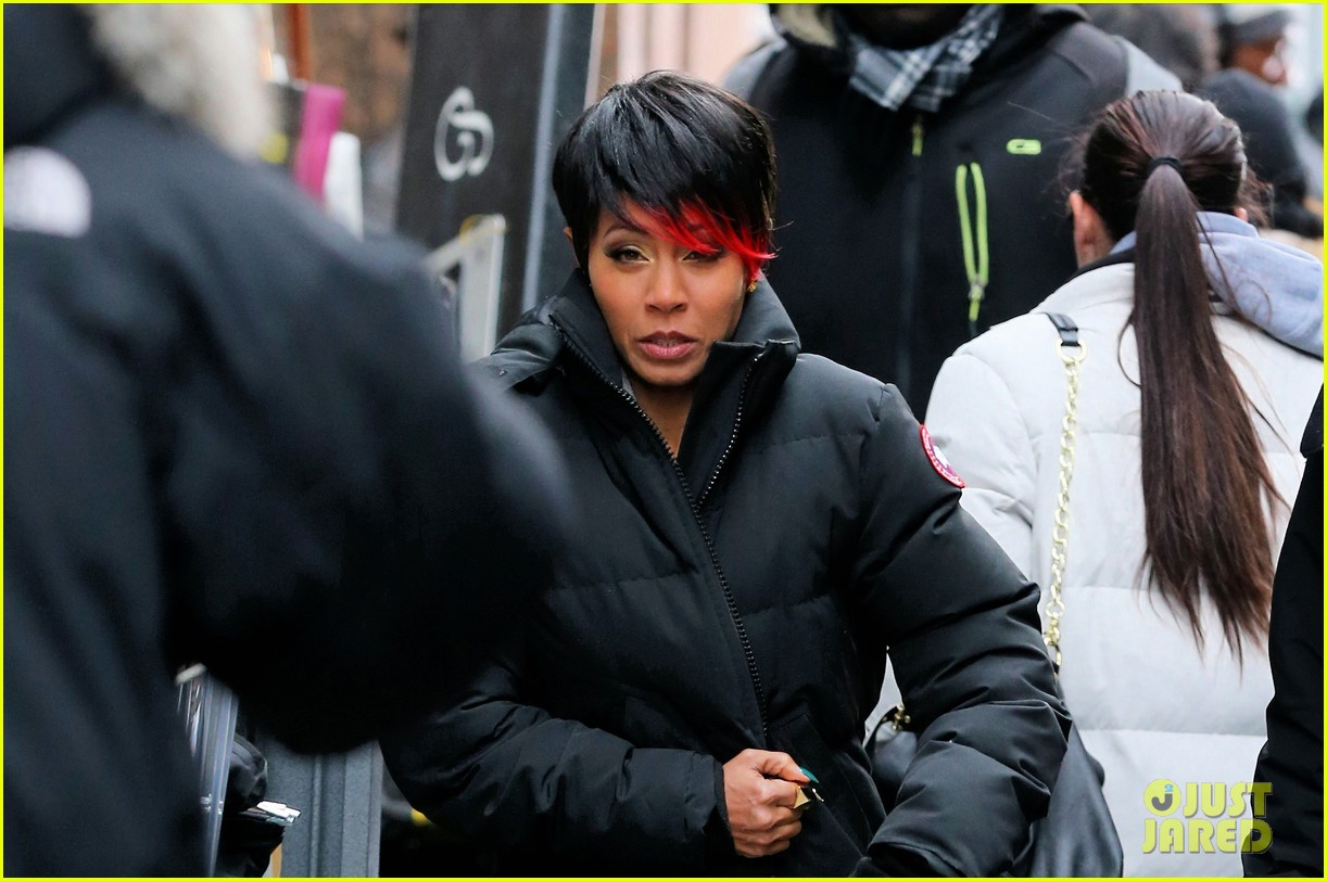 jada pinkett smith debuts red tipped hair sexy outfit for gotham 04