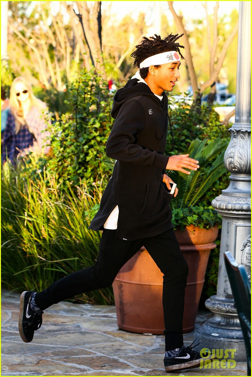 jaden smith has a staring contest with kourtney kardashians daughter penelope 17