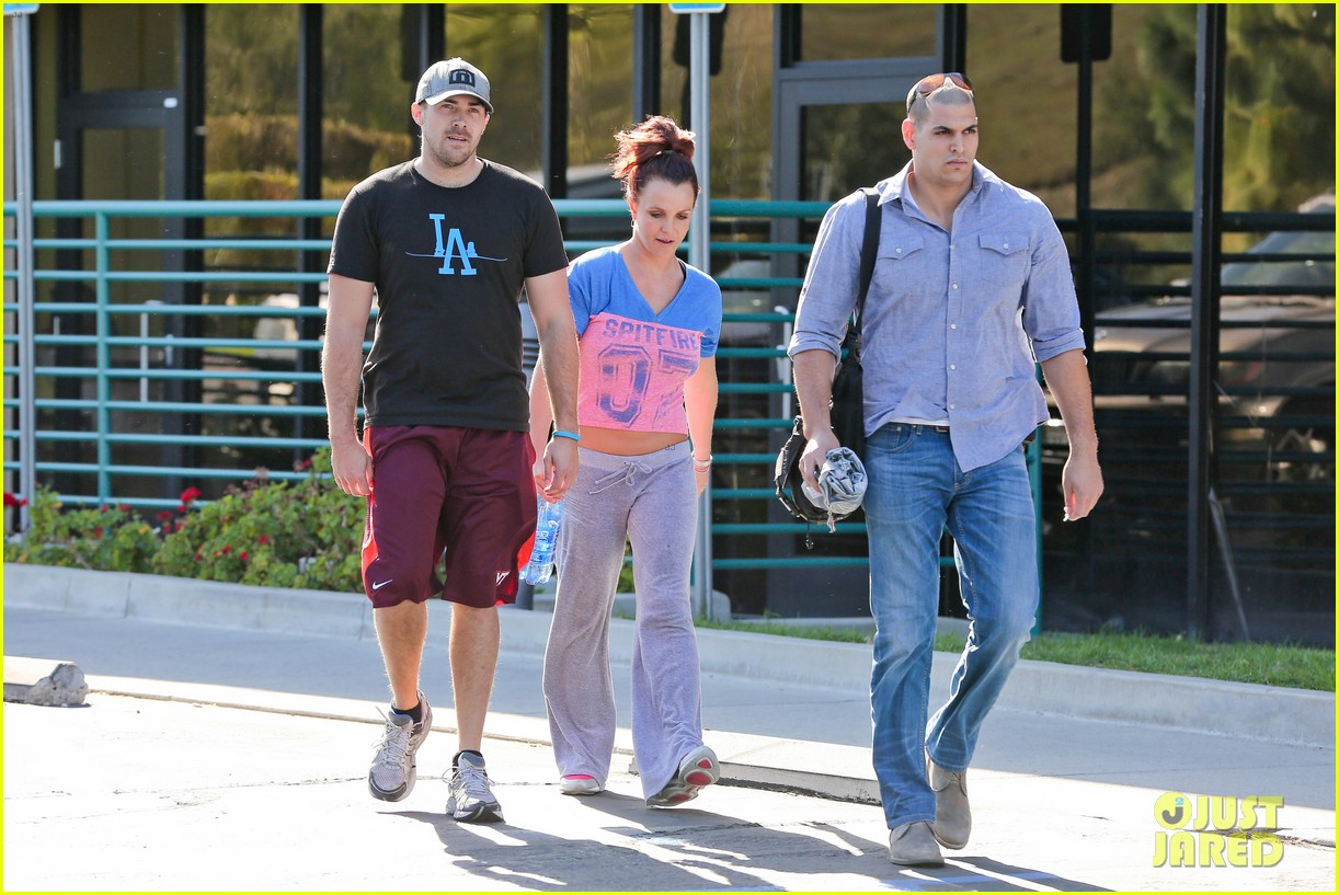 britney spears boyfriend david lucado sweat it out together 213070781