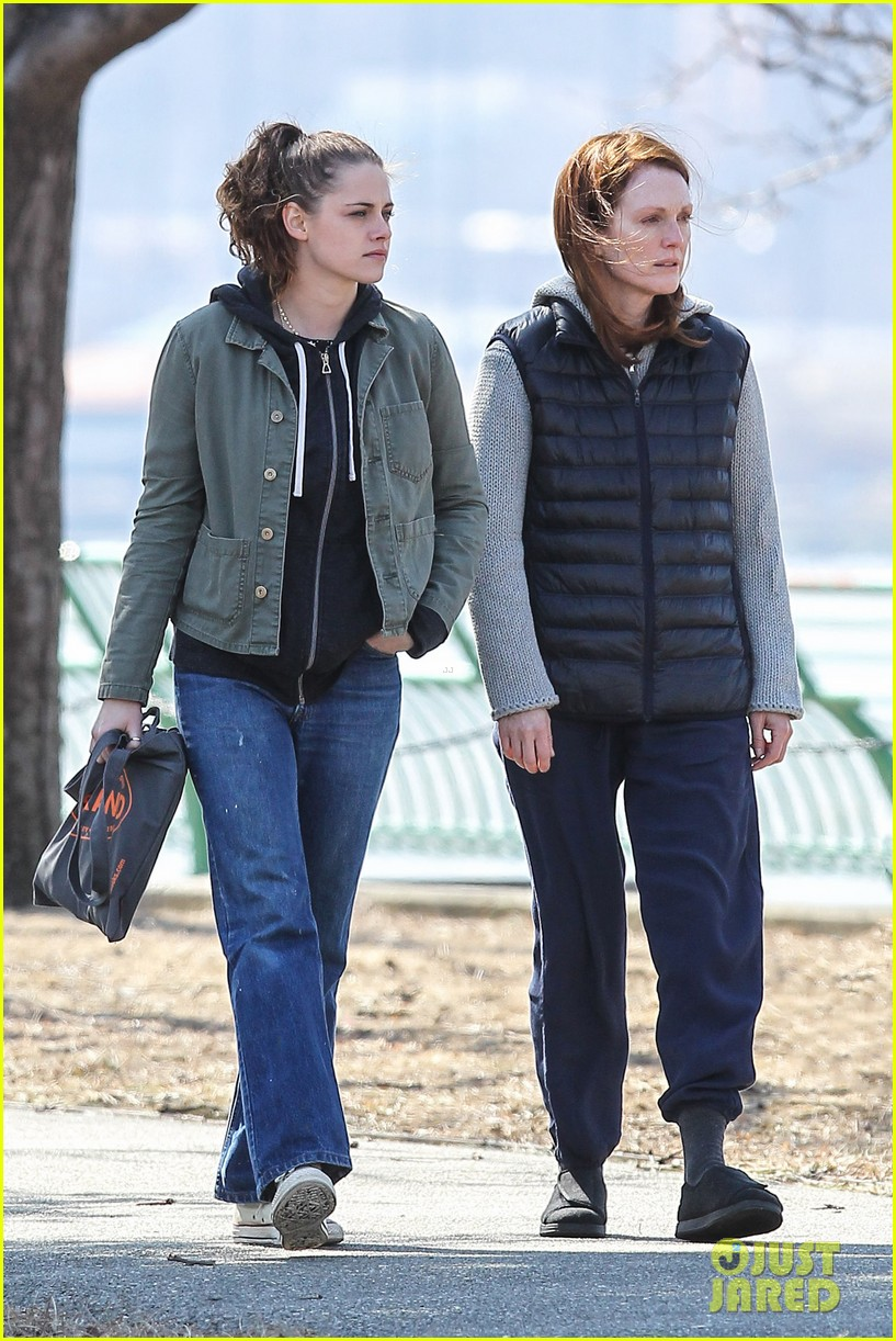kristen stewart julianne moore film serious scene for still alice 013072003