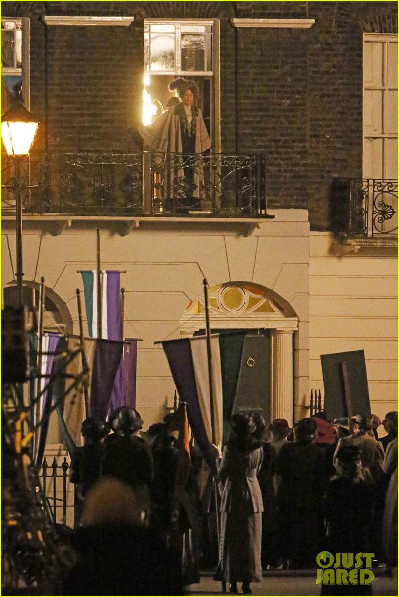 meryl streep first look on set at suffragette 20