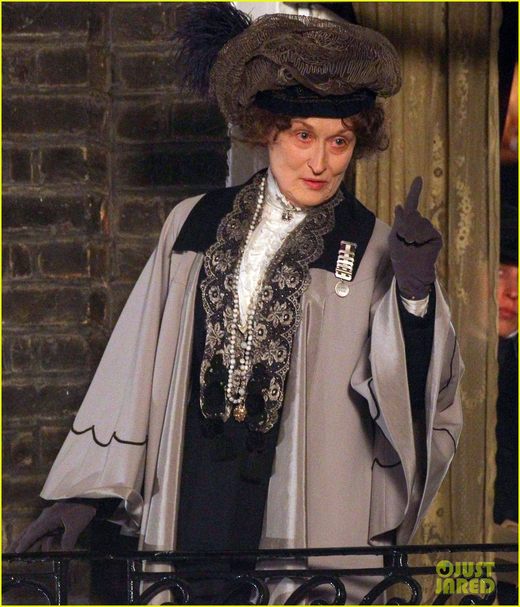 meryl streep first look on set at suffragette 23
