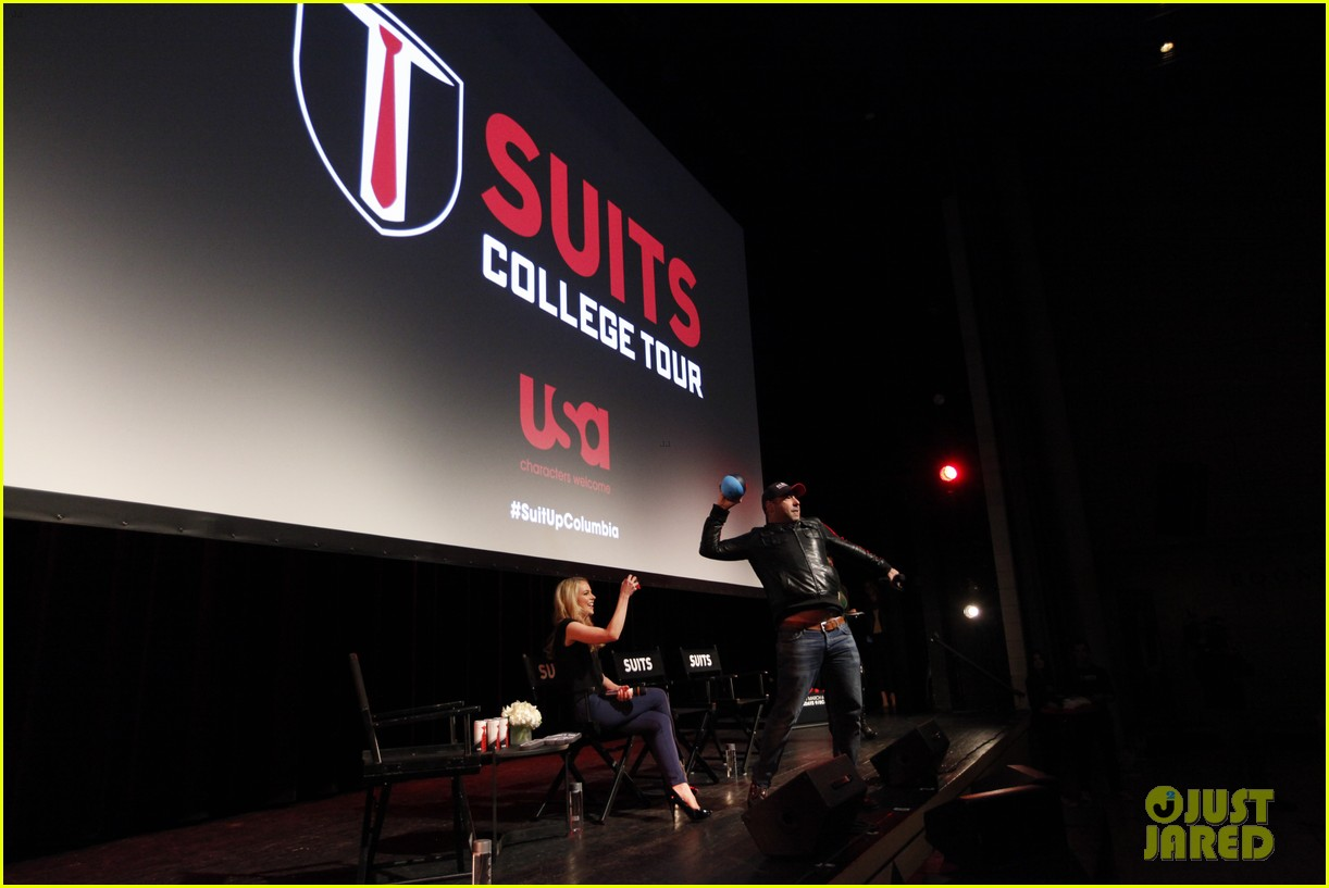 suits interview rick hoffman sarah rafferty amanda schull 053067130
