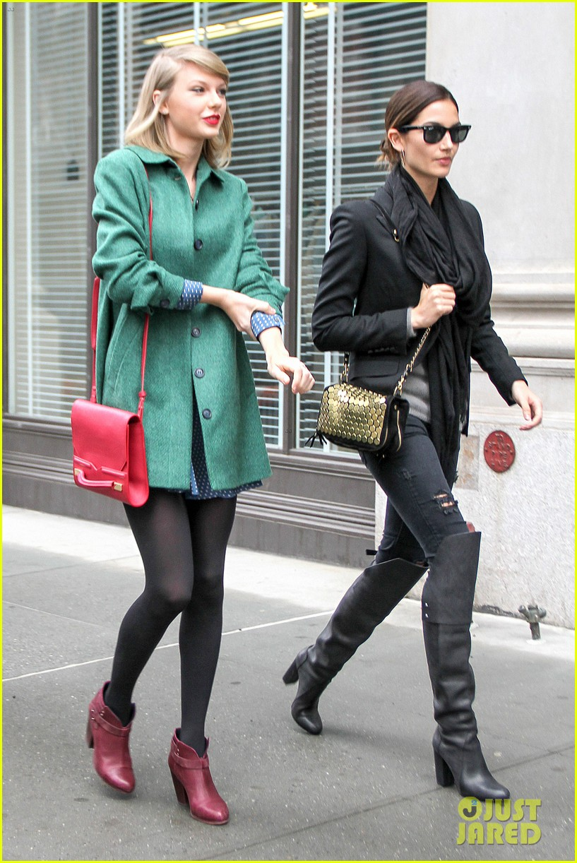 taylor swift grabs lunch with model lily aldridge 10