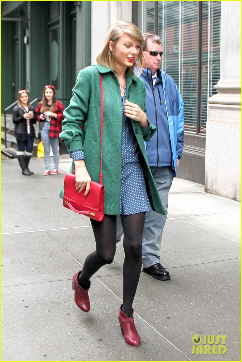 taylor swift grabs lunch with model lily aldridge 13