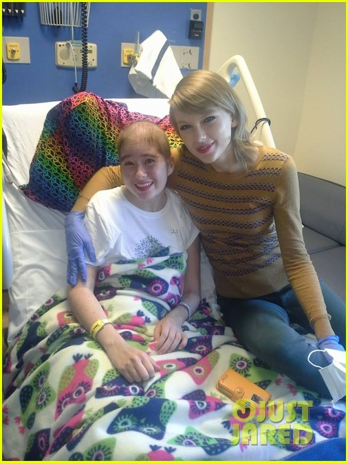 taylor swift childrens hospital visit 043077790