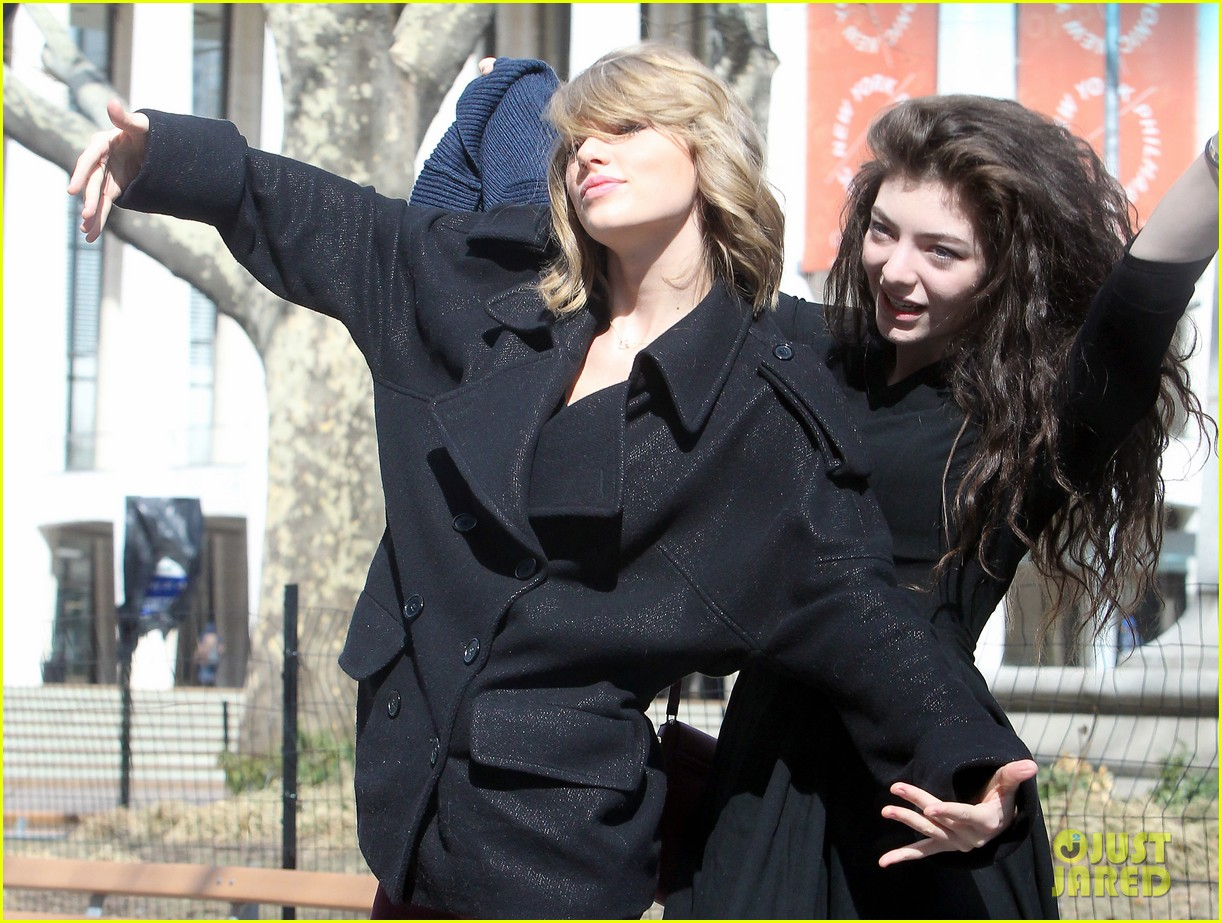 taylor swift lorde get silly in nyc 01
