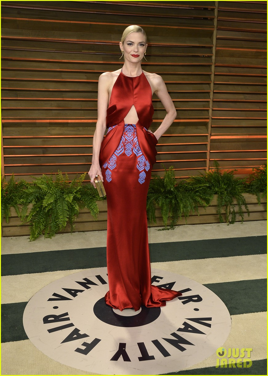 taylor swift jaime king vanity fair oscars party 2014 103064547