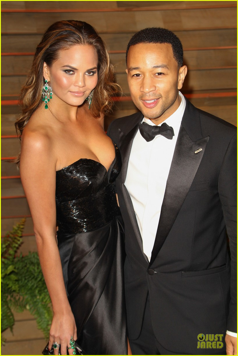 chrissy teigen john legend vanity fair oscars party 2014 023065045