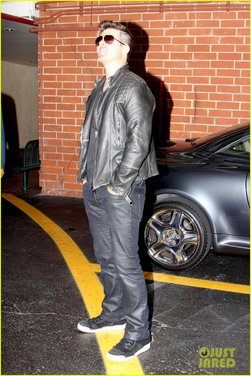 robin thicke partied with leonardo dicaprio for 37th birthday 173070517