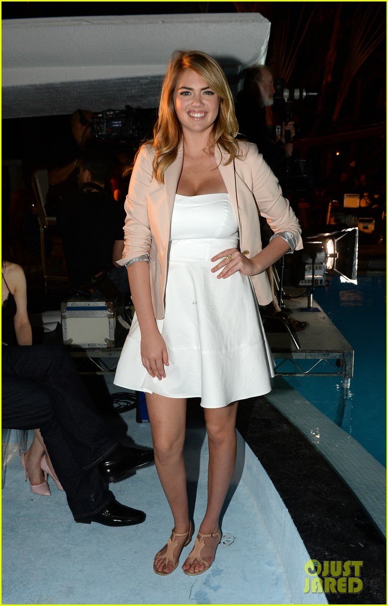 kate upton express south beach runway show 10