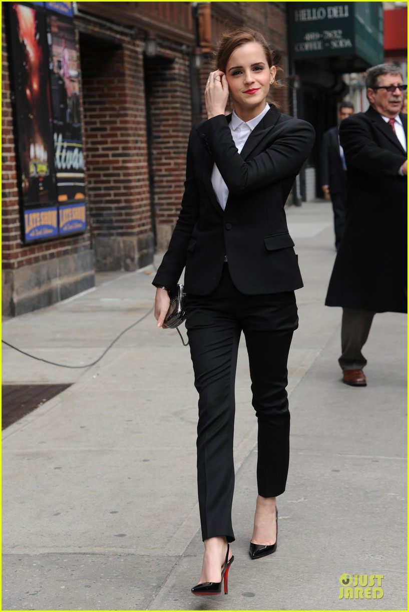emma watson suit late show with david letterman 01