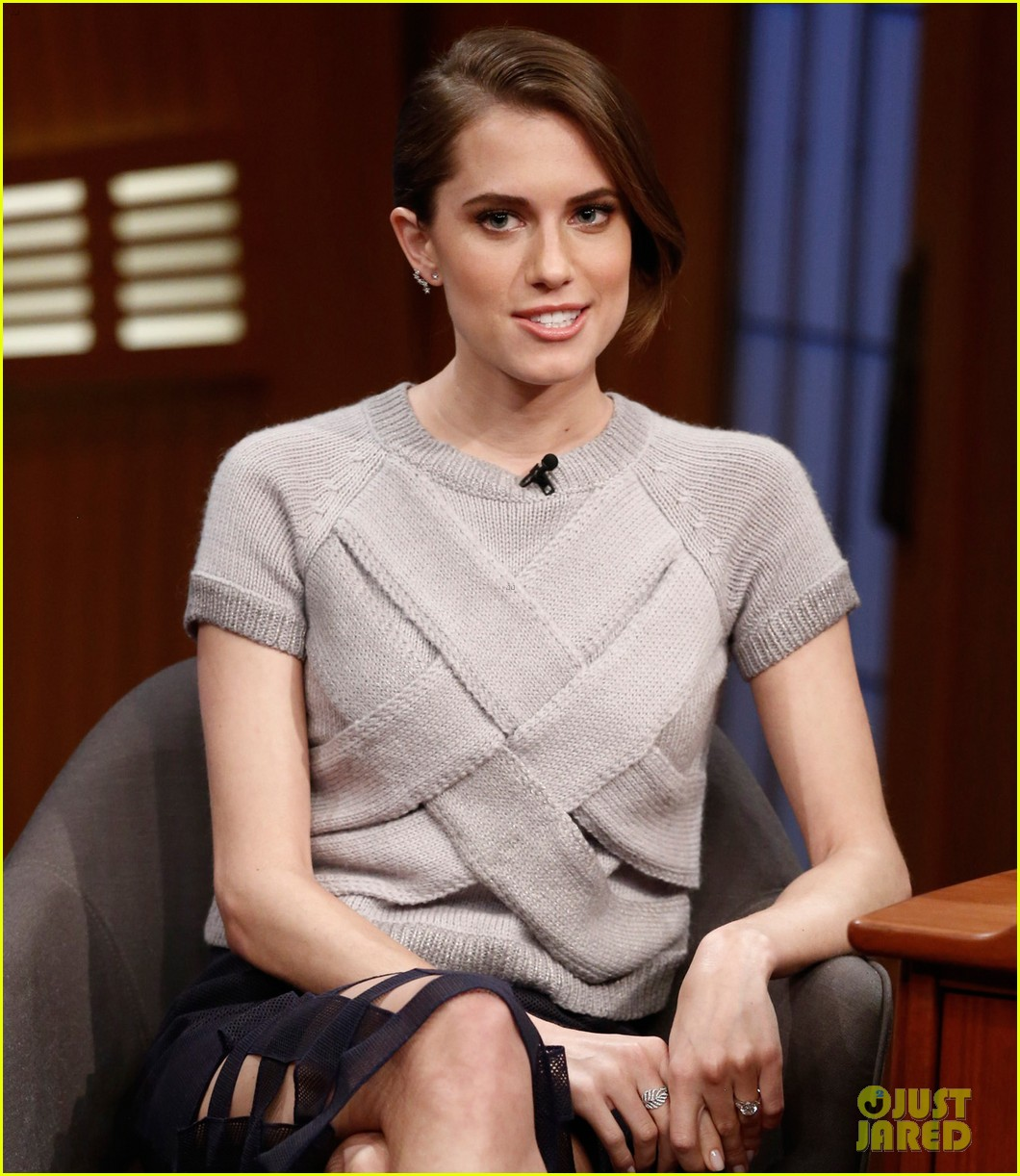 allison williams talks engagement on late night with seth meyers 01