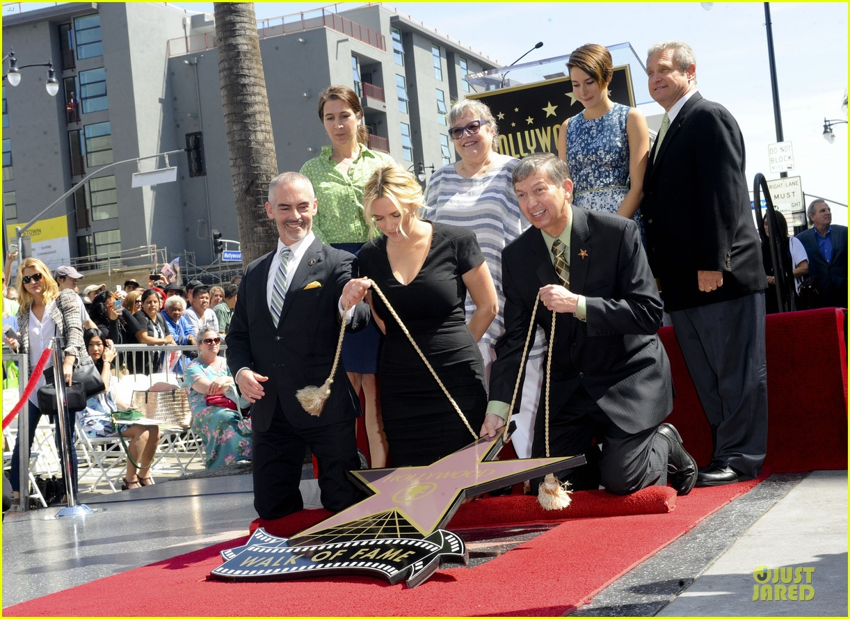kate winslet shailene woodley hollywood walk of fame 133073497